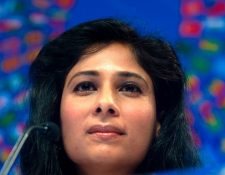 Gita Gopinath, economista jefe del FMI, dijo que el mundo y América Latina crecerán menos de lo esperado.