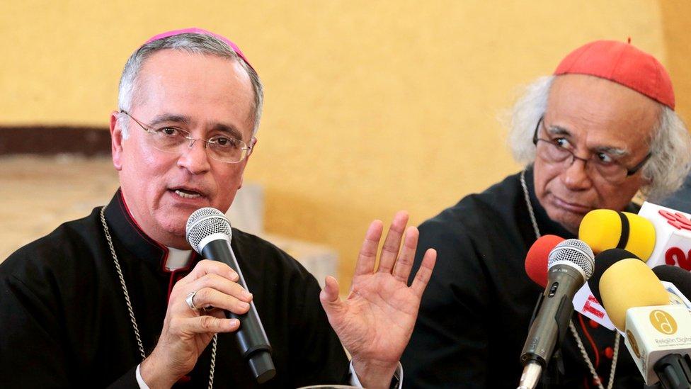 Monseñor Silvio Báez durante la conferencia de prensa en la que anunció la decisión del Papa de trasladarlo a Roma y confirmó haber recibido amenazas de muerte. REUTERS