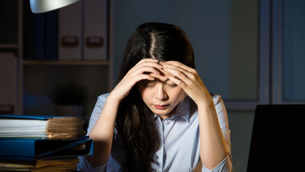 El horario de trabajo se refiere a trabajar de 9 a 9 seis días a la semana. (GETTY IMAGES)