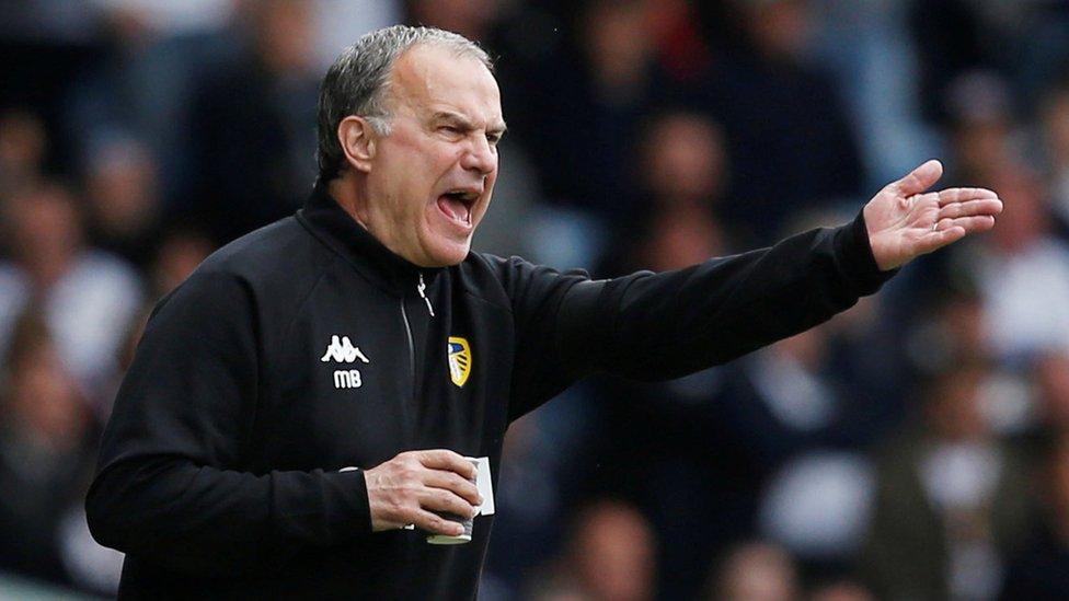 La última locura de Bielsa en el Leeds: ordenar a su equipo dejarse anotar un gol