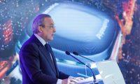GRAF4128. MADRID, 02/04/2019.- El presidente del Real Madrid, Florentino Pérez, pronuncia su discurso durante la presentación de la reforma del estadio Santiago Bernabéu, este martes, en Madrid. EFE/Emilio Naranjo