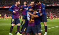 GRAF7066. BARCELONA, 06/04/2019.- Los jugadores del FC Barcelona celebran el primer gol del equipo blaugrana durante el encuentro correspondiente a la jornada 31 de primera división que han disputado esta noche frente al Atlético de Madrid en el estadio del Camp Nou, en Barcelona. EFE/Alejandro García.