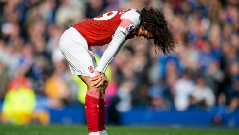 Matteo Guendouzi, jugador del Arsenal, muestra su descontento. (Foto Prensa Libre: EFE)