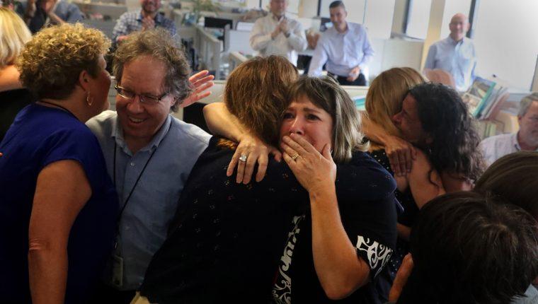 La cobertura periodística de los tiroteos en EE.UU. fue uno de los protagonistas de los premios Pulitzer, que reconoció a los medios locales South Florida Sun Sentinel y Pittsburgh Post-Gazette (Foto Prensa Libre EFE)