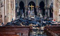 -FOTODELDIA- EPA460. PARÍS (FRANCIA), 16/04/2019.- Vista del interior de la catedral de Notre Dame después del incendio sufrido ayer lunes, este martes en París (Francia). Francia evalúa hoy los daños sufridos por la catedral de Notre Dame de París, devastada por un incendio cuyo origen es todavía desconocido y está siendo investigado por la Justicia. EFE/ Christophe Petit Tesson POOL