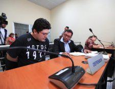 Julio Enrique José Rosales Morales, candidato proclamado por Viva a diputado por Retalhuleu, conoció el motivo de detención. (Foto Prensa Libre: Carlos Hernández)