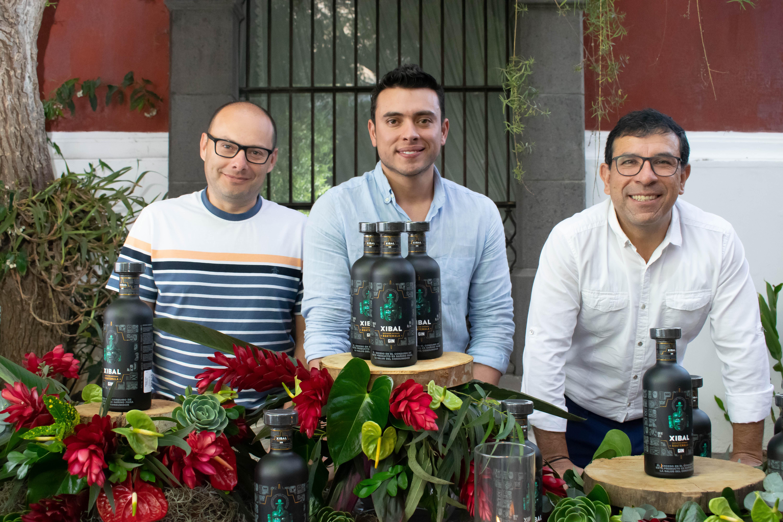 Representantes de Industria Licorera de Guatemala presentaron el nuevo gin guatemalteco