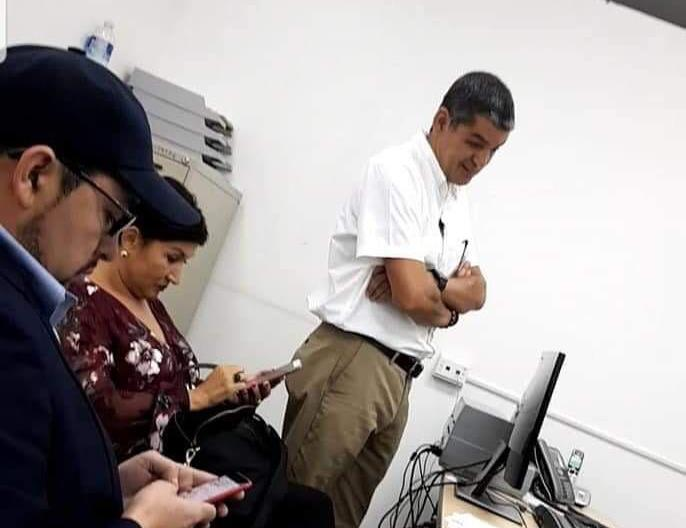 Thelma Aldana, durante la revisión migratoria en el aeropuerto de Toncontín. (Foto Prensa Libre: Migración de Honduras)