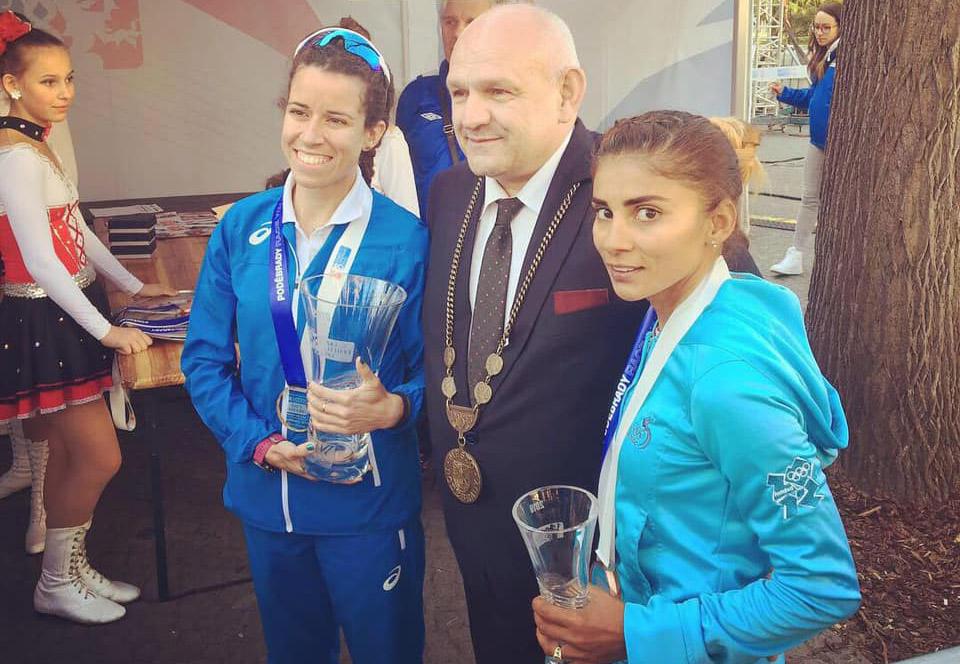 Marchista Mirna Ortiz gana bronce en República Checa y clasifica al Mundial de Atletismo