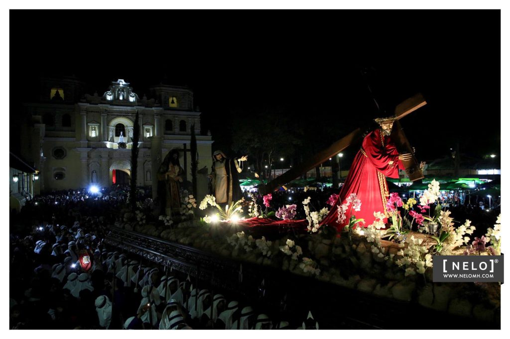 La procesión del nazareno mercedario es considerada el verdadero cortejo de los antigüeños. Foto Prensa Libre:  cortesía Nelo Mijangos