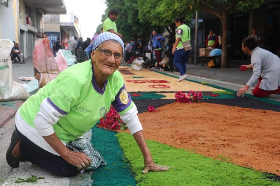 Varias personas de la tercera edad colaboraron con la realización. Foto Prensa Libre: Municipalidad de Guatemala
