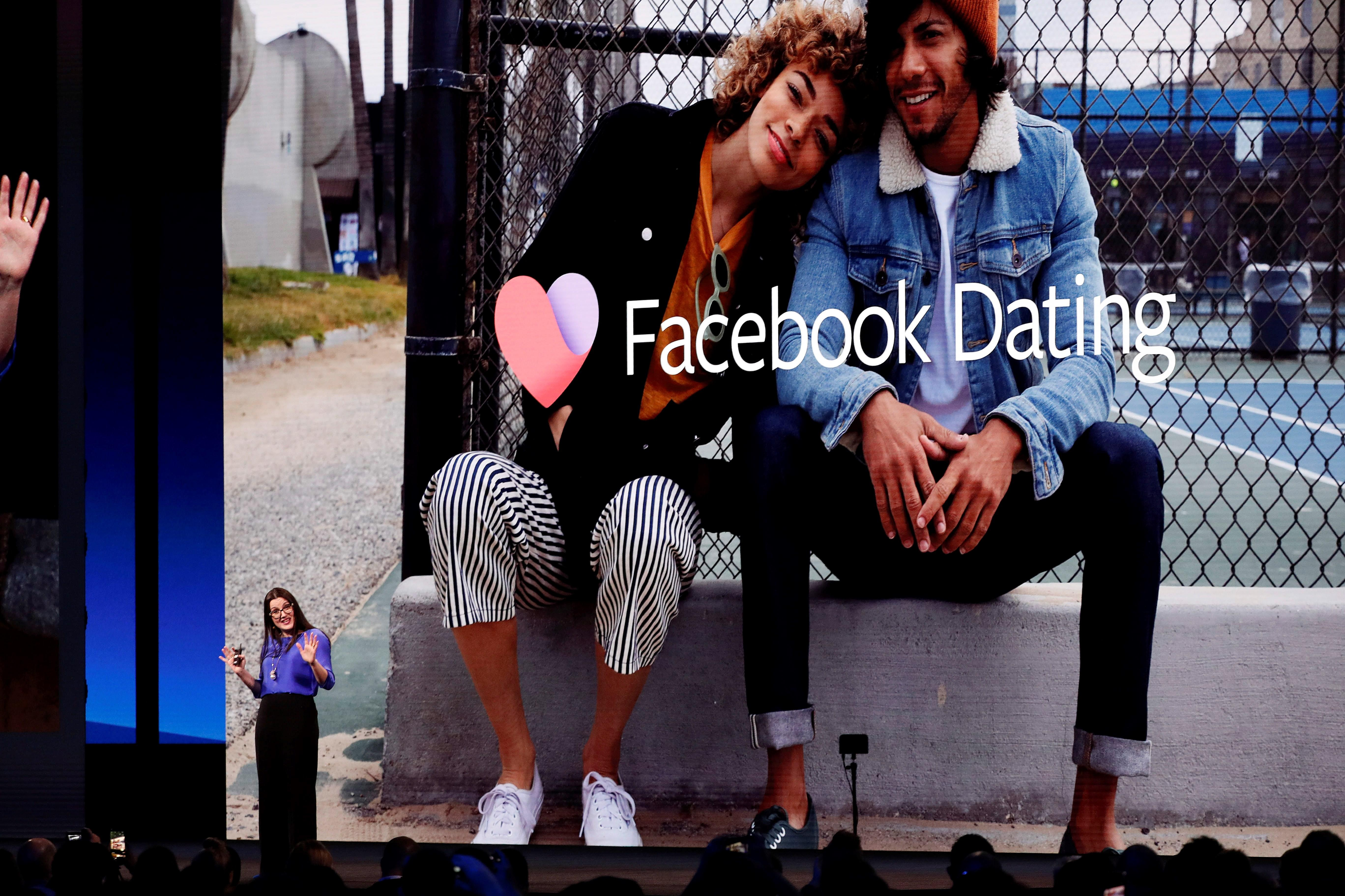 Durante la Conferencia de Desarrollo Facebook F8, Fidji Simo directora de aplicaciones presenta Facebook Dating, que busca competir con Tinder. (Foto Prensa Libre: EFE)