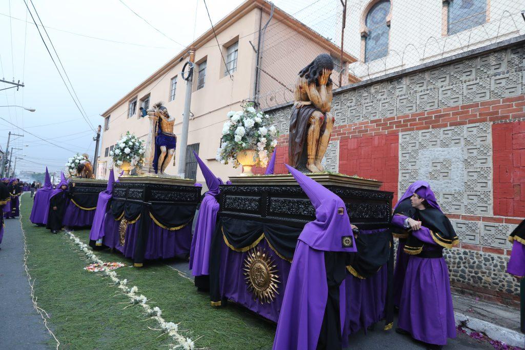 El cortejo procesional de la Merced es una muestra de la riqueza cultural con que cuenta la Orden Mercedaria con sus esculturas. Foto Prensa Libre: Óscar Rivas