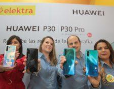 Ejecutivos de Huawei y de Elektra presentaron la nueva línea de celulares P30