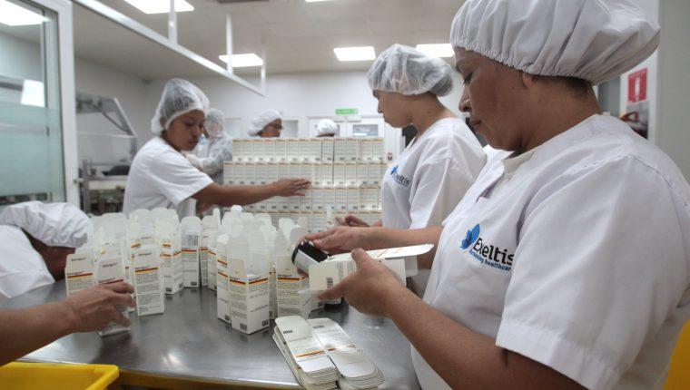 El sector farmacéutico atrajo inversión a Guatemala en el primer semestre del año, según el Banguat. (Foto Prensa Libre: Hemeroteca)