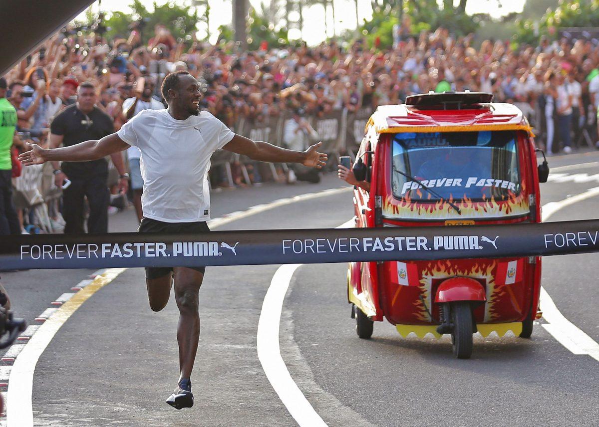 VIDEO | Usain Bolt gana una carrera en Lima a un mototaxi sin despeinarse