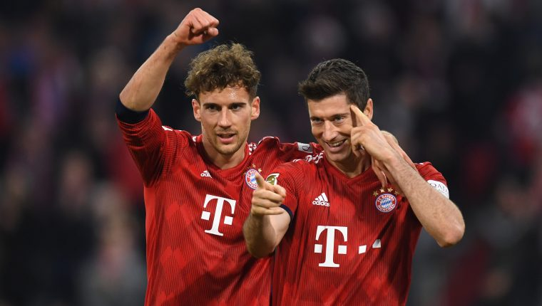 Los jugadores del Bayern Múnich festejaron contra el Dortmund. (Foto Prensa Libre: AFP)