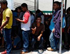 Grupos de hondureños y salvadoreños adultos serían los primeros en llegar a Guatemala, según funcionarios estadounidenses citados por el diario Washington Post. (Foto Prensa Libre: Hemeroteca PL)