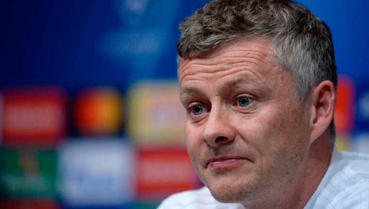 El entrenador del Mánchester United Ole Gunnar Solskjaer  dice que sus jugadores pueden ganar en Barcelona. (Foto Prensa Libre: AFP)