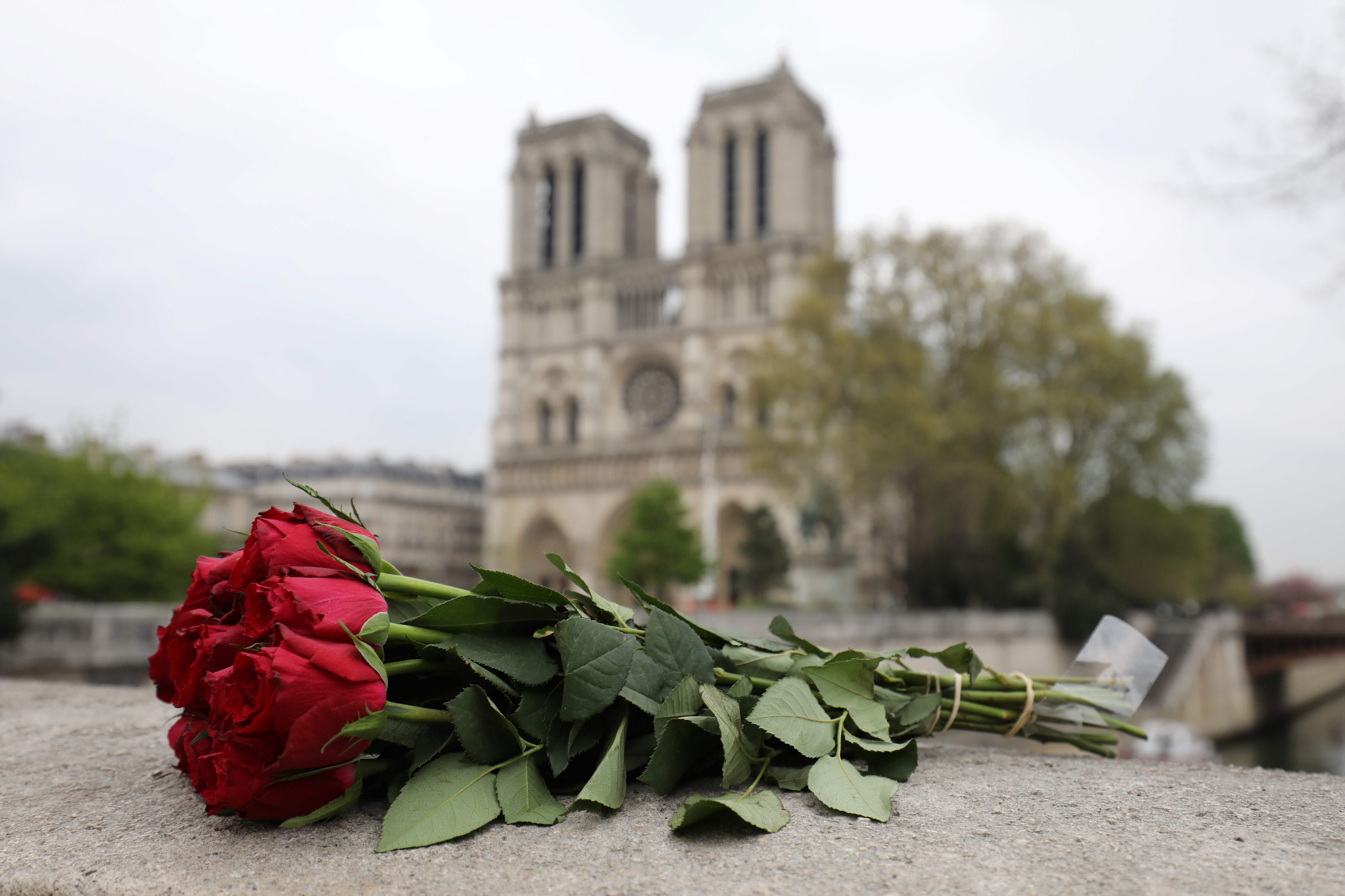 La reconstrucción de la Catedral de Notre Dame será una labor que llevará varios meses. (Foto Prensa Libre: AFP)