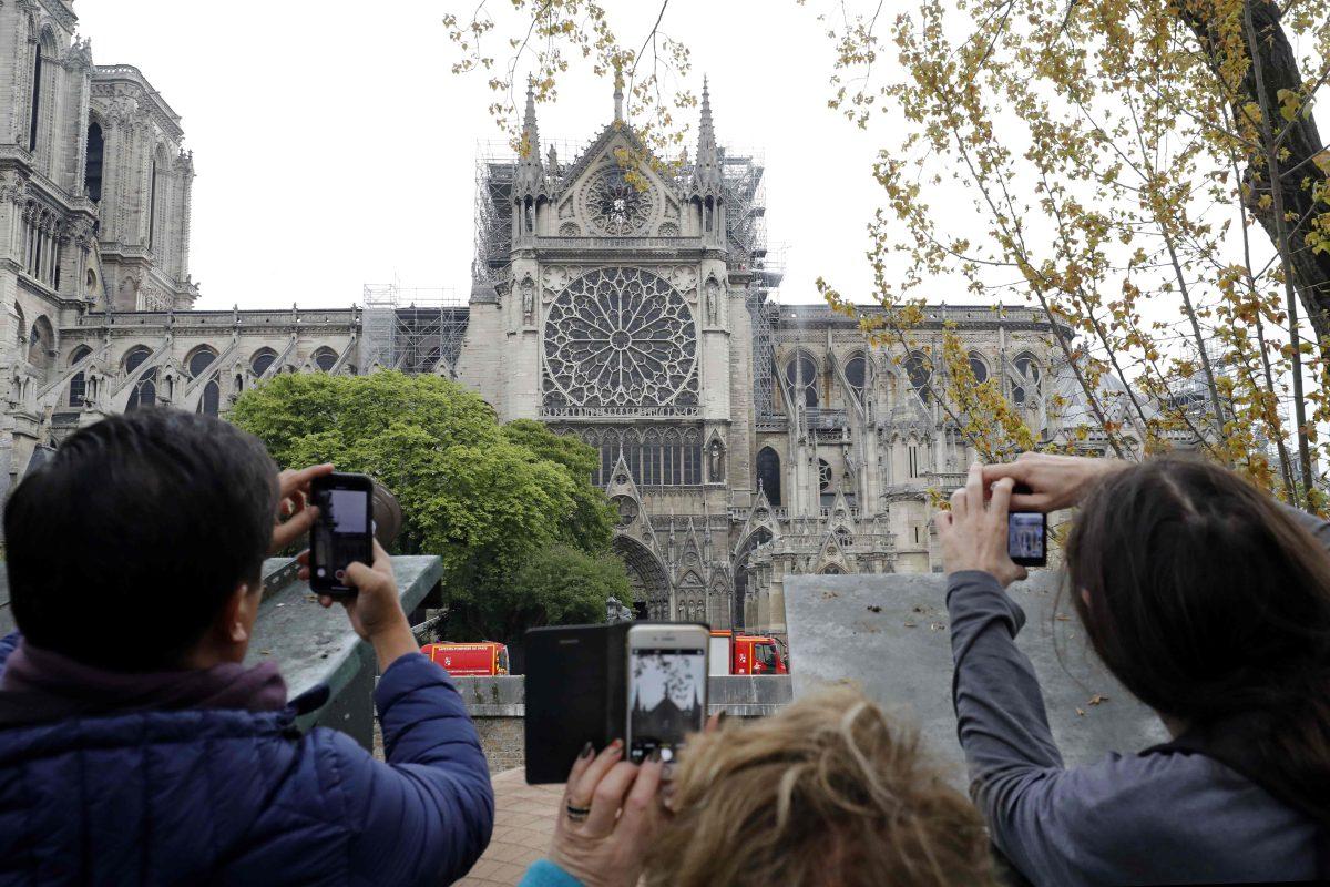 Los tres símbolos de la Catedral de Notre Dame que están a salvo