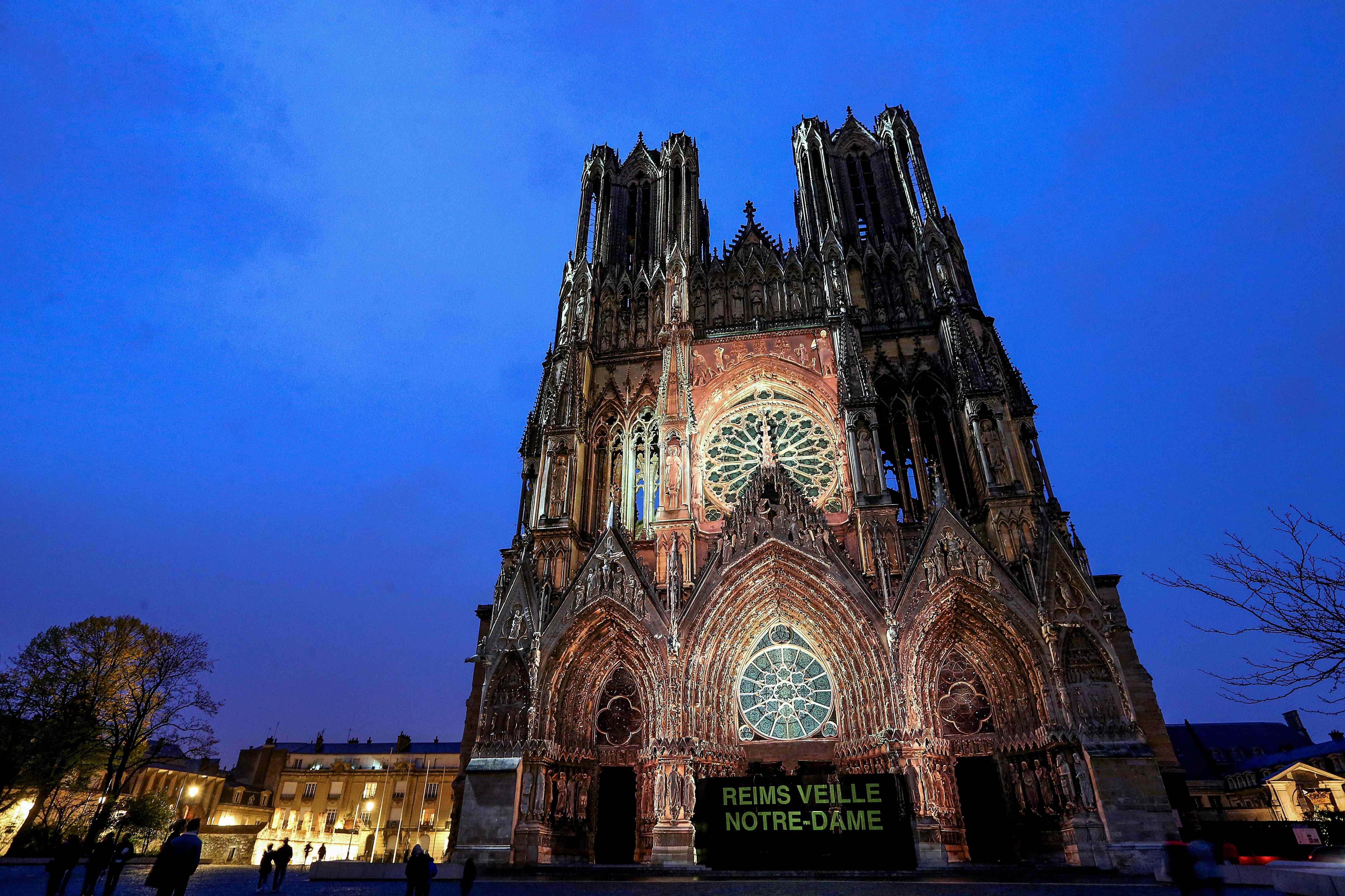 Representantes de la cultura y el arte guatemalteco se inspiraron y tuvieron vínculos con la Catedral de Notre Dame. (Foto Prensa Libre: AFP)