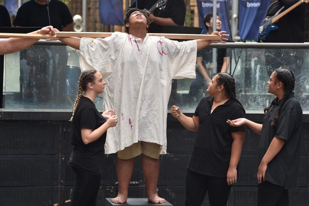 Este Viernes Santo se conmemora la crucifixión de Jesús en Australia. Foto Prensa Libre: AFP