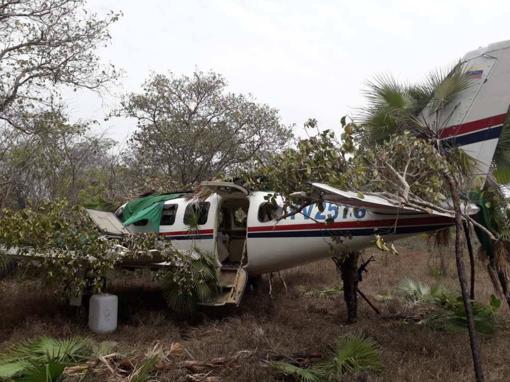 Aunque no fueron encontrados indicios, se sospecha que la avioneta fue utilizada para trasegar ilícitos. (Foto Prensa Libre: Hemeroteca PL)