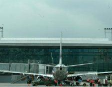 La doble tributación ha sido una razón esgrimida por las líneas aéreas para no aterrizar en Guatemala (Foto Prensa Libre: Hemeroteca PL)