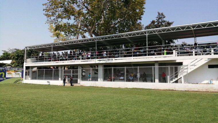 Al estadio El Morón la afición de Iztapa ha fallado. (Foto Prensa Libre: Hemeroteca PL)