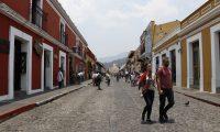 La Ciudad Colonial de la Antigua Guatemala fue el principal lugar donde acudieron la mayoría de visitantes locales durante el fin de semana, según el cómputo del Inguat. (Foto Prensa Libre: Julio Sicán)