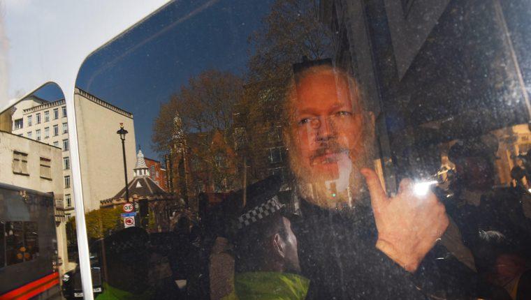 El fundador de WikiLeaks, Julian Assange, a su llegada el 11 de abril a la Corte de Magistrados de Westminster en Londres. (Foto Prensa Libre: Hemeroteca PL)
