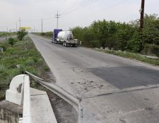En la autopista Escuintla-Puerto Quetzal Escuintla, transitan en promedio unos 15 mil vehículos diarios, sobre todo del transporte pesado.  (Foto Prensa Libre: Carlos Enrique Paredes)