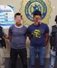 Los dos presuntos secuestradores capturados en Chiquimula. (Foto Prensa Libre: PNC).