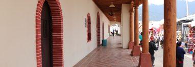 Fachada de la comuna de Chichicastenango, la cual podría ser invadida por el comercio informal, según vecinos. (Foto Prensa Libre: Héctor Cordero).