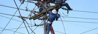 La suspensión del servicio de energía será por mantenimientos en la red. (Foto Prensa Libre: Hemeroteca PL).