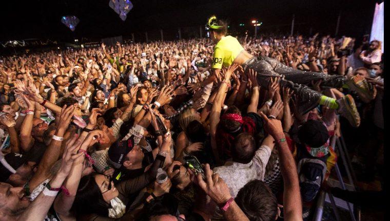 Muchas personas disfrutaron del encuentro musical que se llevó a cabo durante dos fines de semana en Indio, California. (Foto Prensa Libre: EFE)