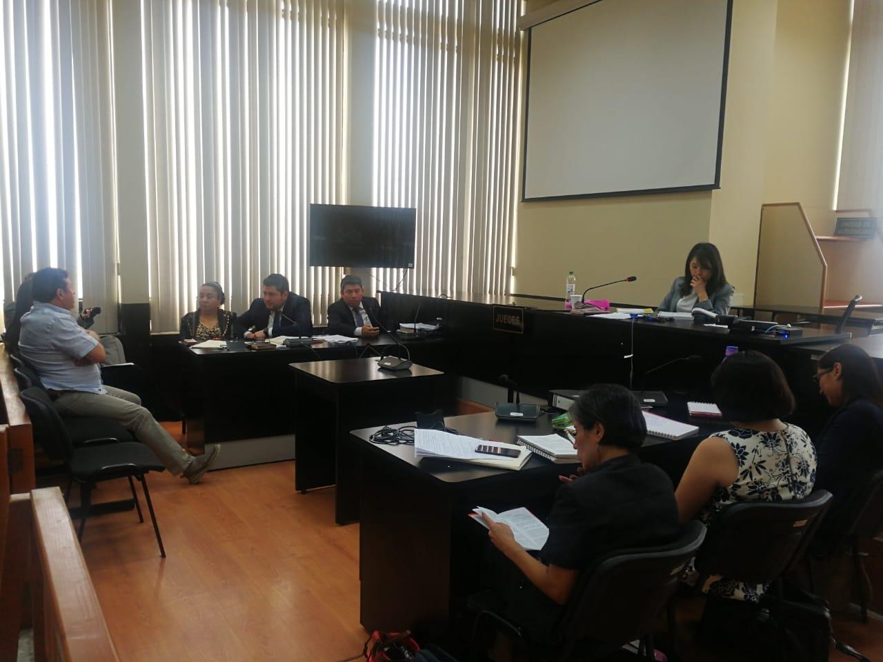 La jueza Erika Aifán suspendió la audiencia del ofrecimiento de las pruebas y revisión de medidas de coerción del caso Comisiones Paralelas. (Foto Prensa Libre: Juan Diego González)