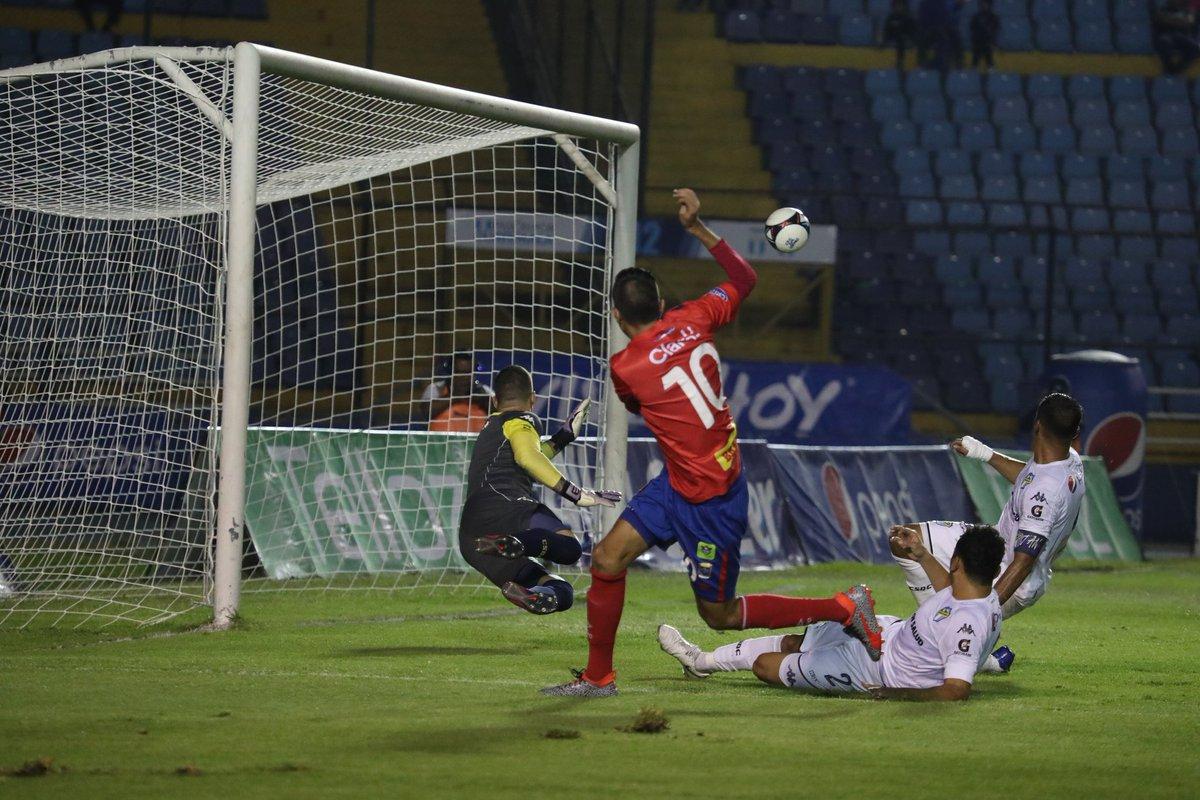 Cremas vuelven a perder ante Municipal en el clásico 305. (Foto Prensa Libre: Óscar Rivas).
