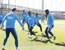 Entrenamiento del Barcelona, este jueves. (Foto Prensa Libre: Twitter FC Barcelona)