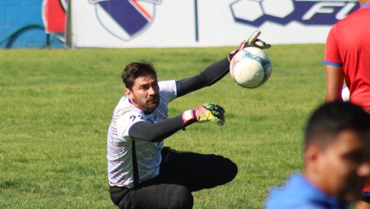 El portero Álvaro García se ha ganado la titularidad en el equipo quetzalteco que necesita sumar puntos de visita para intentar clasificar a la siguiente ronda. (Foto Prensa Libre: Raúl Juárez)