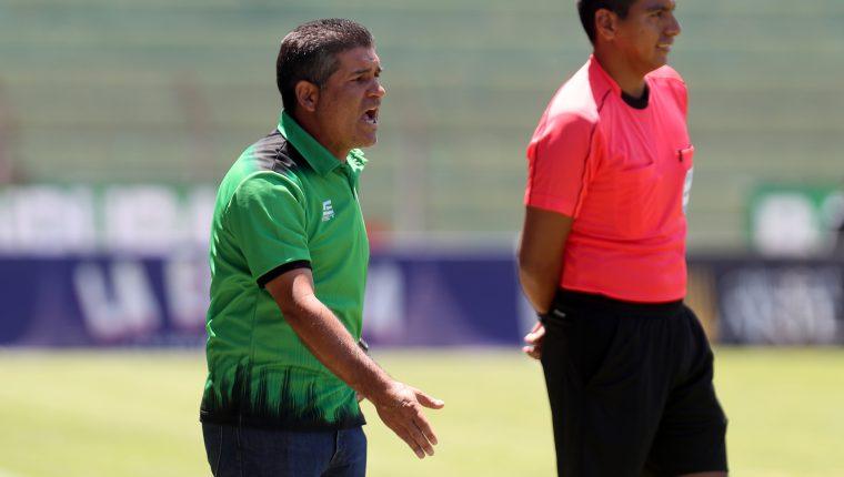 Antonio Torres Servín (verde) llegó al equipo colonial en el Clausura 2019. (Foto Prensa Libre: Carlos Vicente)