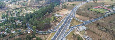 El Libramiento de Chimaltenango cuenta con 14 kilómetros y su objetivo es aliviar el tráfico que se forma en esa carretera. (Foto Prensa Libre: Víctor Chamalé)