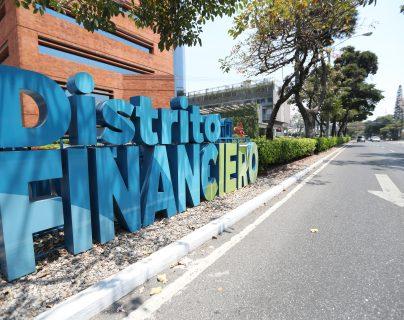 El sector de banca y seguros captó capitales durante el primer trimestre del año. (Foto Prensa Libre: Hemeroteca)