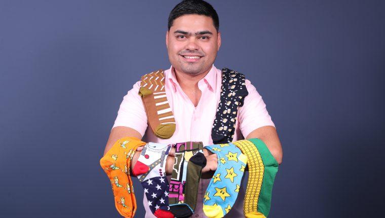 Érick René Ochoa Reyes, creador de Monopatía, empresa dedicada a la fabricación y diseño de calcetines con temas originales y que identifican a los guatemaltecos.