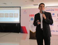 Erick Sosa, gerente del grupo de negocios de nube de Microsoft Centroamérica durante conferencia del Tech Day de AmCham. (Foto Prensa Libre: María Reneé Barrientos)