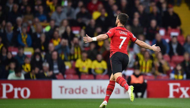 Shane Long festeja después de haber marcado el gol más rápido de la historia de la Premier, contra el Watford. (Foto Prensa Libre: AFP).