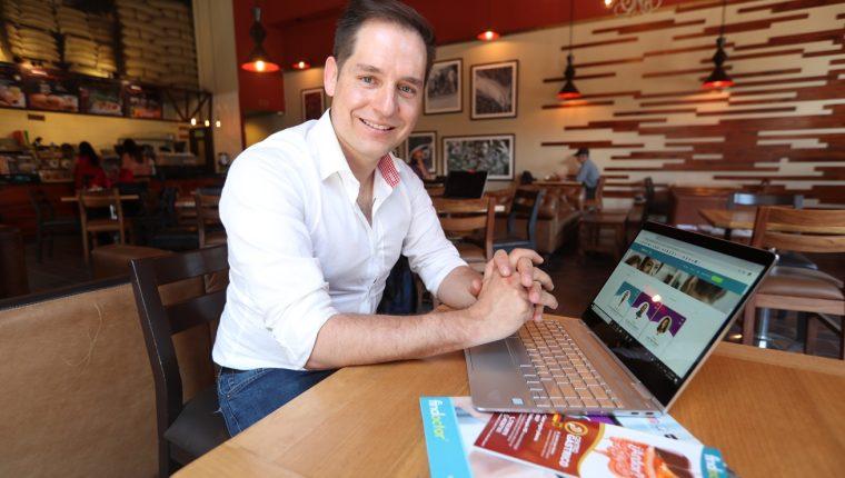 Pablo Enrique Soto recuerda que el proyecto que inició junto a su hermano surgió en Quetzaltenango. (Foto Prensa Libre: María Longo)