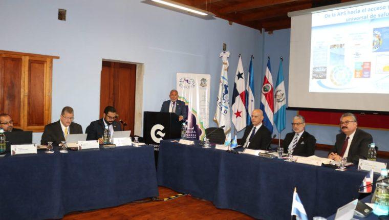 Representantes del Seguro Social de la región se reunió en La Antigua Guatemala.