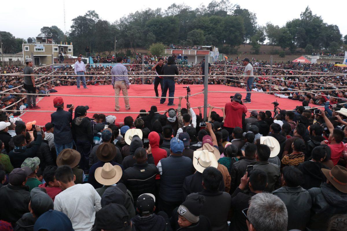 Así se vivieron las tradicionales peleas a puño limpio en Chivarreto